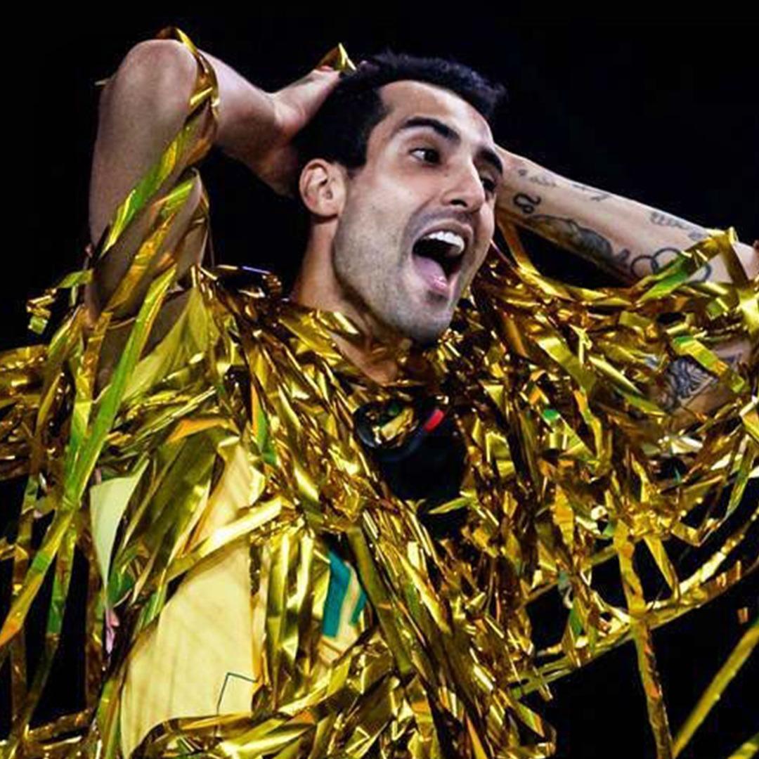 6 motivos para Douglas Souza, do vôlei do Brasil, já ser ícone das Olimpíadas