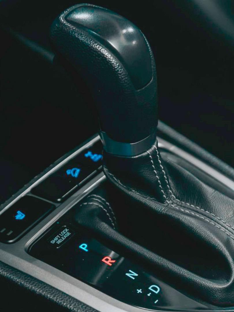 Como dirigir carro automático: 10 macetes para facilitar sua vida